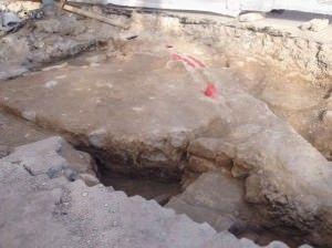 Emergen restos de la antigua fortificación de Alicante con las obras de La Explanada en ARQUEOLOGÍA
