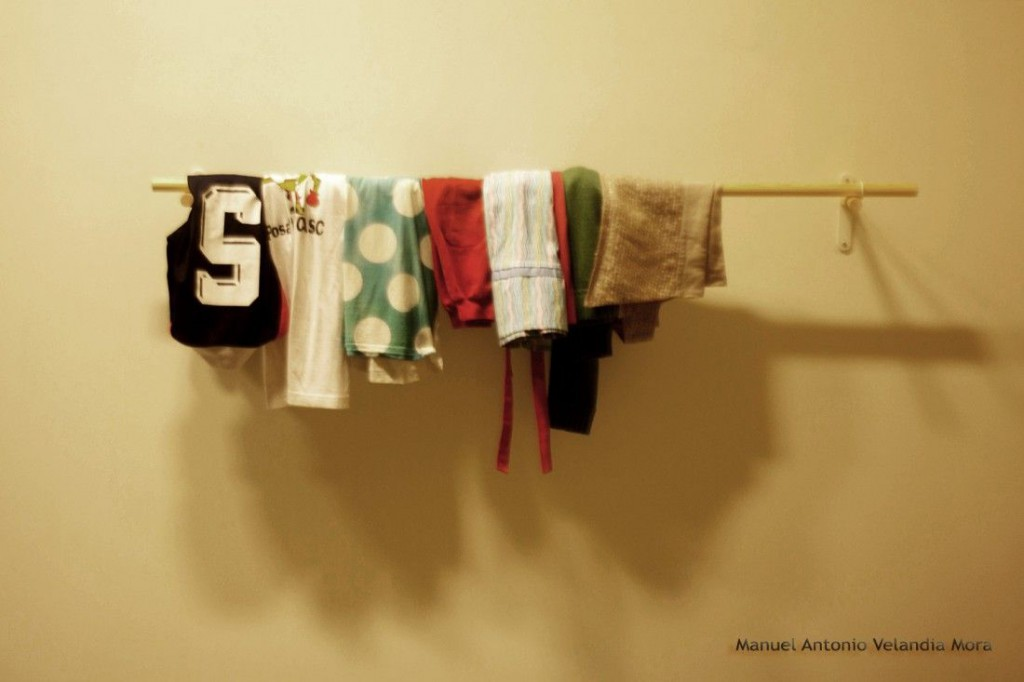 Juan Carlos Rosa Casasola: Dona tu ropa al arte en ARTE ESCULTURA