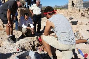 El Presidente de la Diputación visita los hallazgos de la Pobla Medieval de Ifach en ARQUEOLOGÍA
