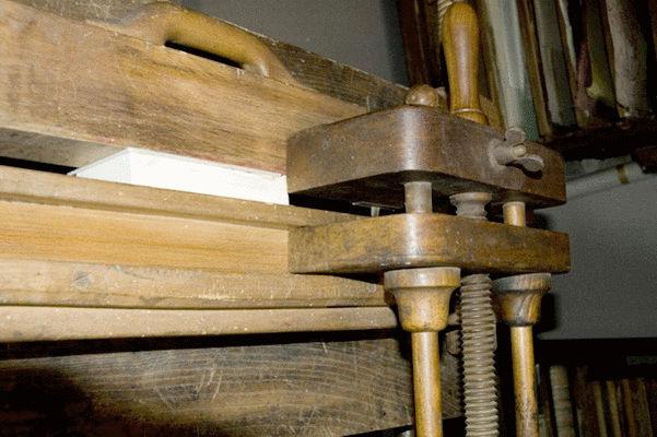 Las herramientas que se utilizan en la encuadernación en ARTE