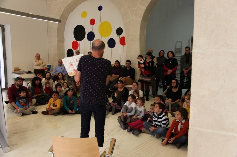 La magia de los cuenta cuentos se instala en el MACA en ARTE LETRAS