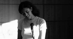 Moth&Rust/Óxido y polilla: Recital de Layla Benítez-James en el Freaks en LETRAS
