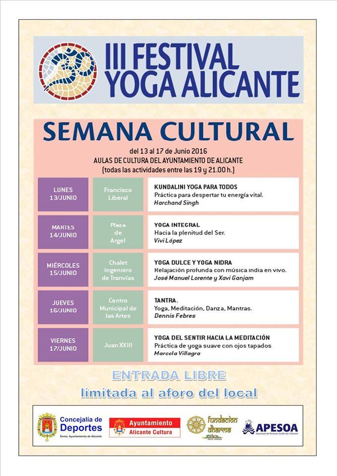 El III Festival de Yoga de Alicante acerca esta disciplina a la calle en AIRE LIBRE DEPORTE