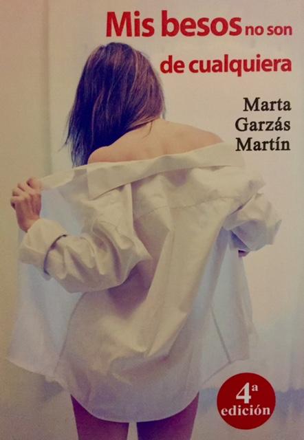Marta Garzás presenta en Alicante su novela 'Mis besos no son de cualquiera' en LETRAS