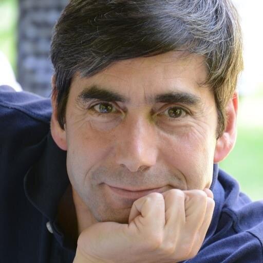 Miguel Pasquau presenta su novela 'La Casa Luna' en la Sede Ciudad de Alicante en LETRAS