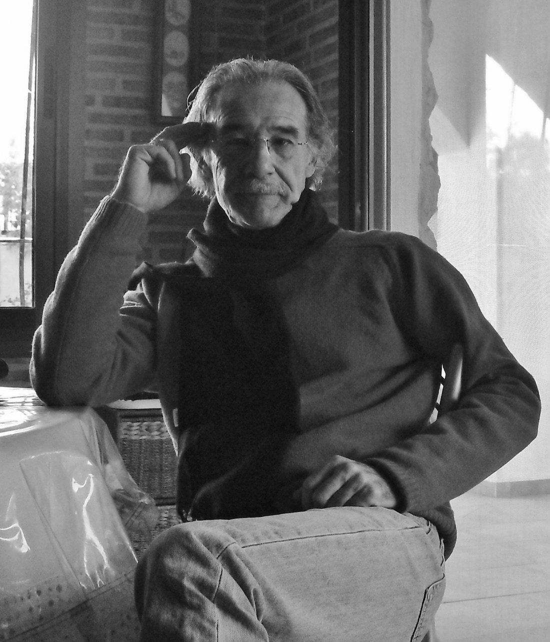 José Luis Rico presenta poemario con Eléctrico Romance en 80 Mundos en LETRAS