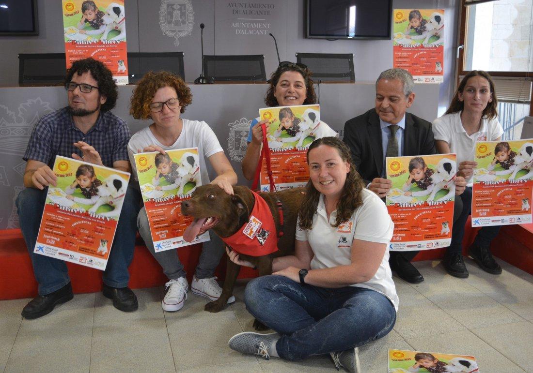 'Patas y libros', tres perros animan a los niños a la lectura este verano en ESTILO DE VIDA LETRAS