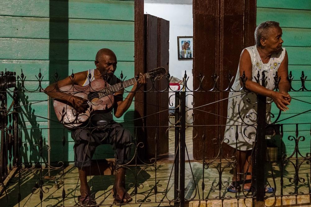 """La cámara de Luis Muñoz capta la esencia de """"Cuba, la isla de colores imposibles"""" en FOTOGRAFIA"""
