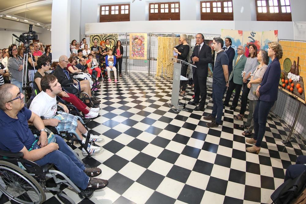 Personas con discapacidad intelectual muestran su arte en Expocreativa en ARTE
