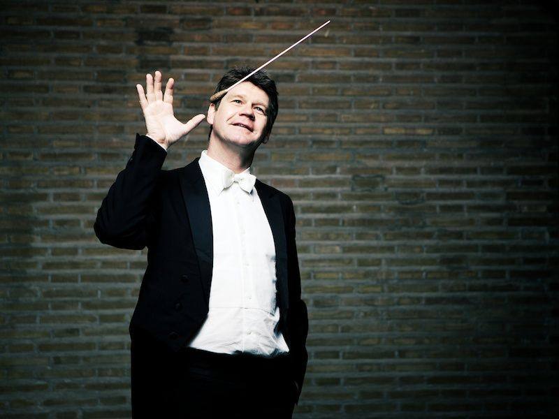 Comienzan los Conciertos de Navidad de la OFUA bajo la dirección de Tobias Gossmann en MÚSICA