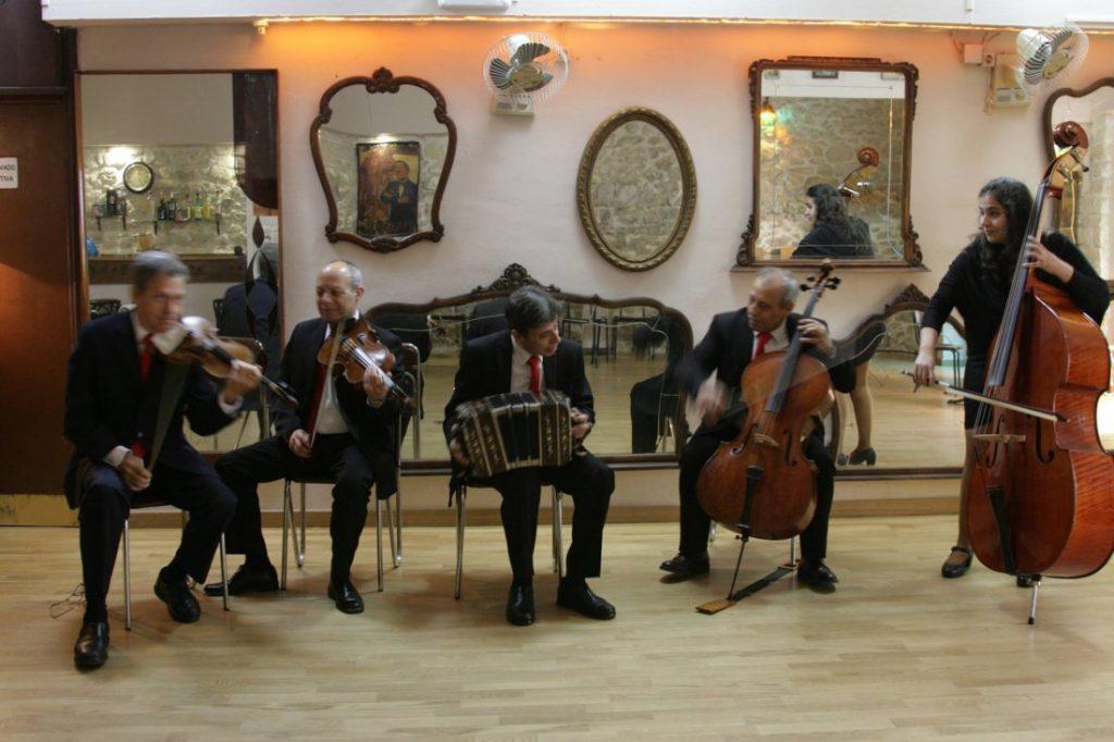 Los viernes, noches de música americana en la Peña del Tango de Alicante en MÚSICA