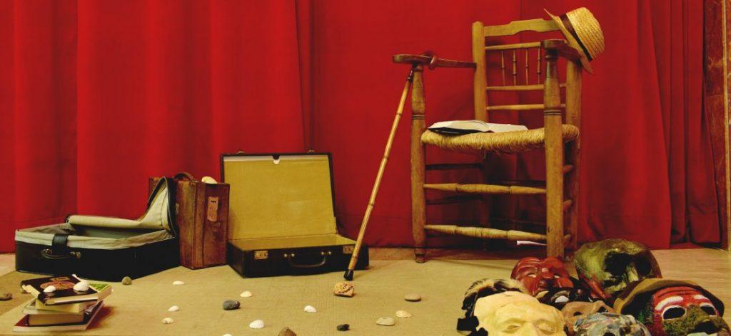 Las maletas de Estruch:Exposición sobreel maestro de teatro en ESCENA