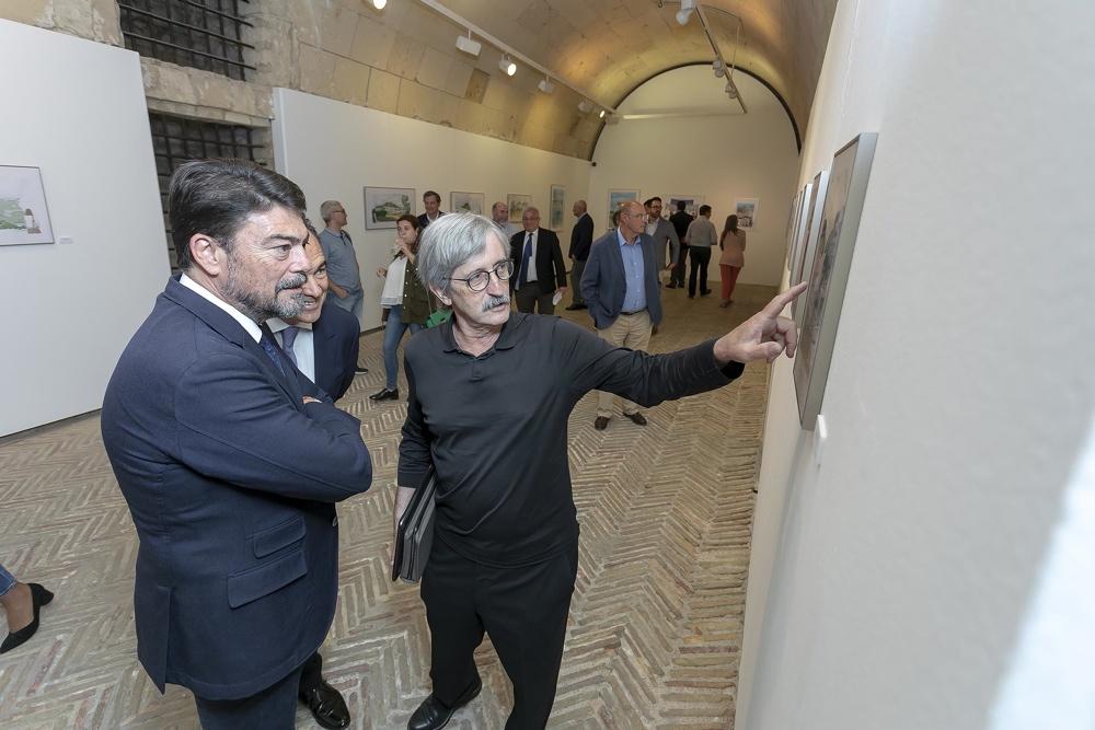 El Castillo de Santa Bárbara alberga la exposiciónde Alejandro Ybarra 'DibujandRo, miradas desde mi tableta' en PINTURA