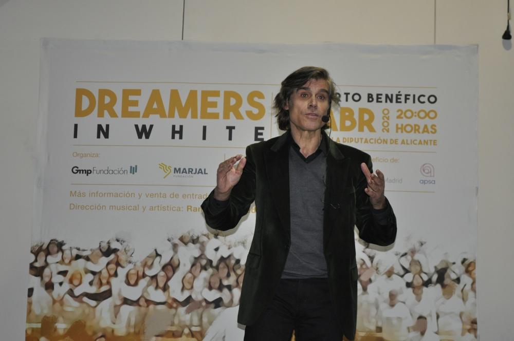 La orquesta solidaria 'Dreamers in White' selecciona músicos y voces para su concierto en Alicante en MÚSICA