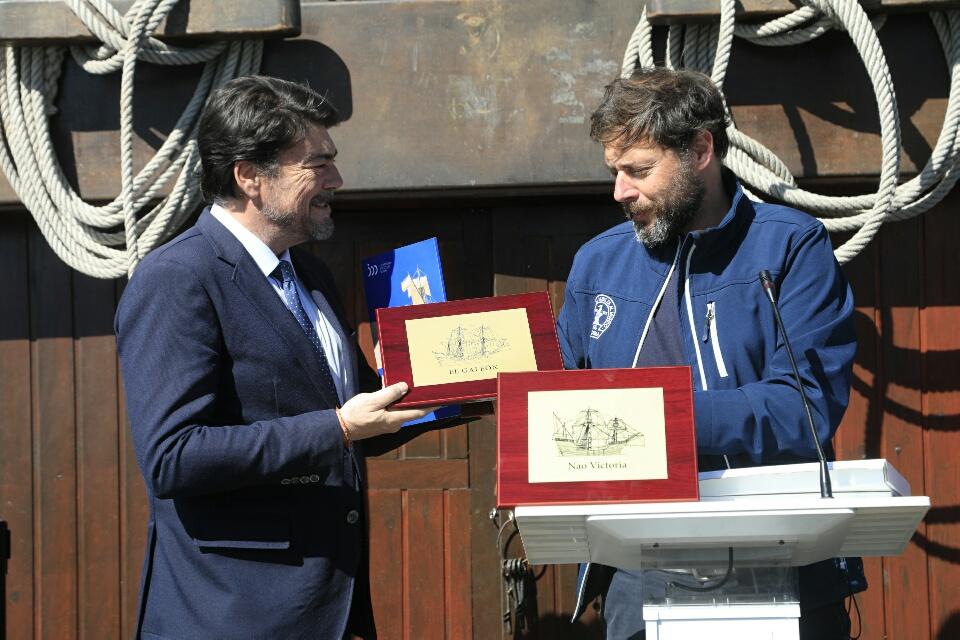Réplicas de la Nao Victoria y el Galeón Andalucía recalan en Alicante por el V centenario de la primera vuelta al mundo en AIRE LIBRE