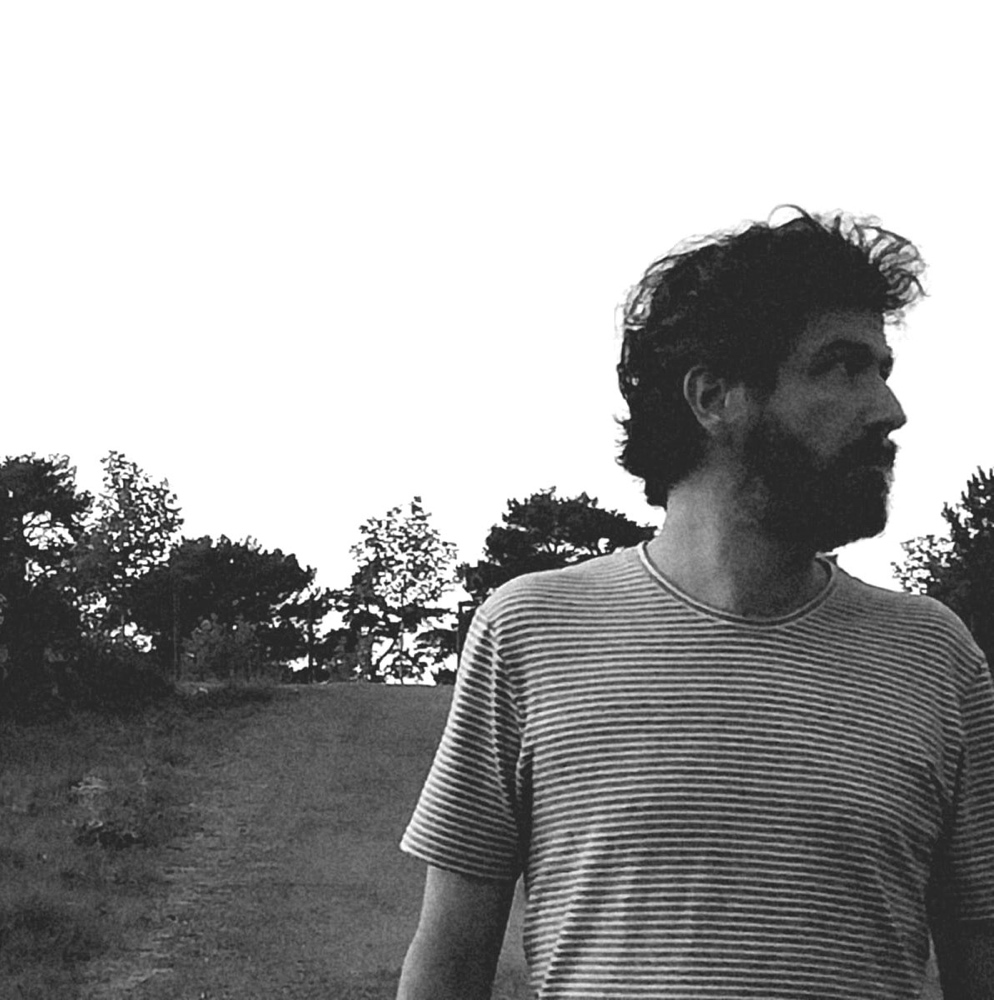 El folk pop de autor de Hernando ve la luz en su primer EP 'Grabaciones inocentes' en MÚSICA