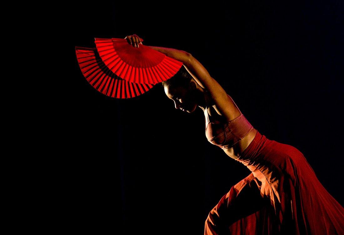 La danza celebra su día reivindicándose como arte plenamente autónomo en ESCENA