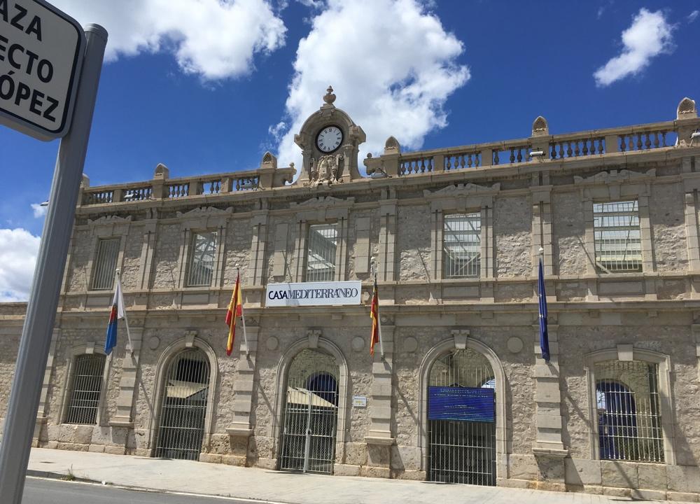 Casa Mediterráneo ofrece visitas guiadas a su sede para acercarse a la historia de este emblemático edificio en ESTILO DE VIDA