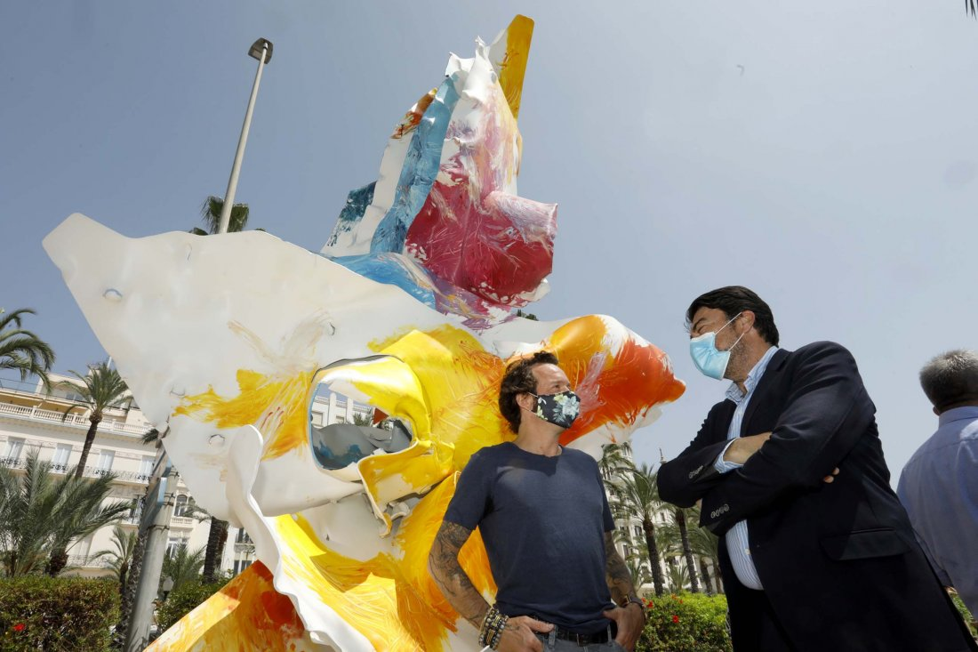 Cultura exhibe la exposición de escultura al aire libre 'My Secret Garden' en el paseo del muelle 2 en ESCULTURA