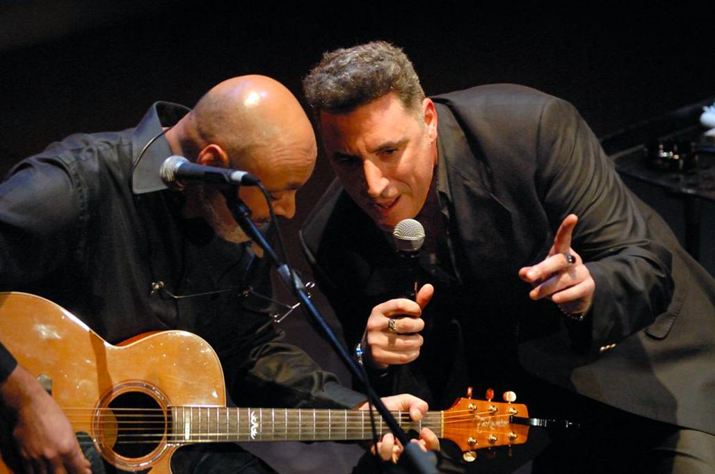 Noches Mediterráneas trae al Puerto de Alicante una treintena de conciertos este verano, con Amaral, Loquillo y Gabriel Sopeña, Ara Malikian, Carlos Sadness... en MÚSICA