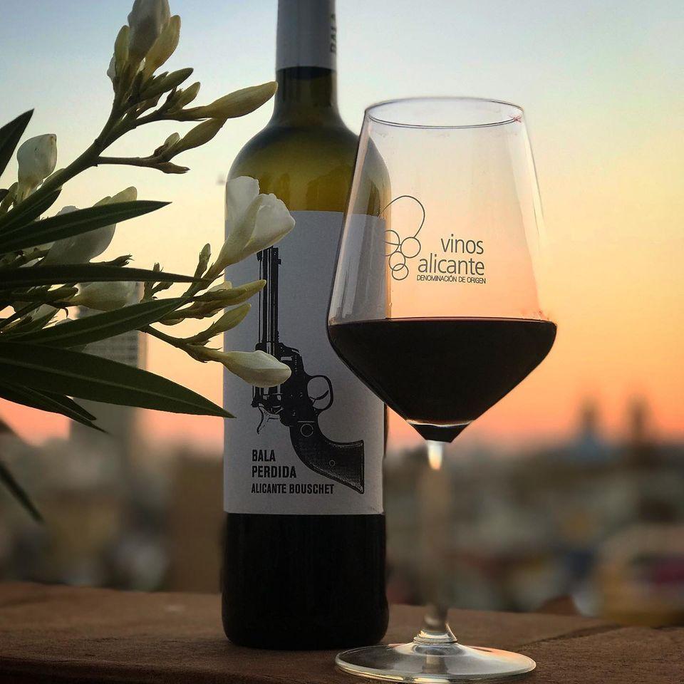 Los padrinos de vendimia 2020 serán los mejores seguidores de Vinos Alicante DOP en sus redes en GASTRONOMÍA