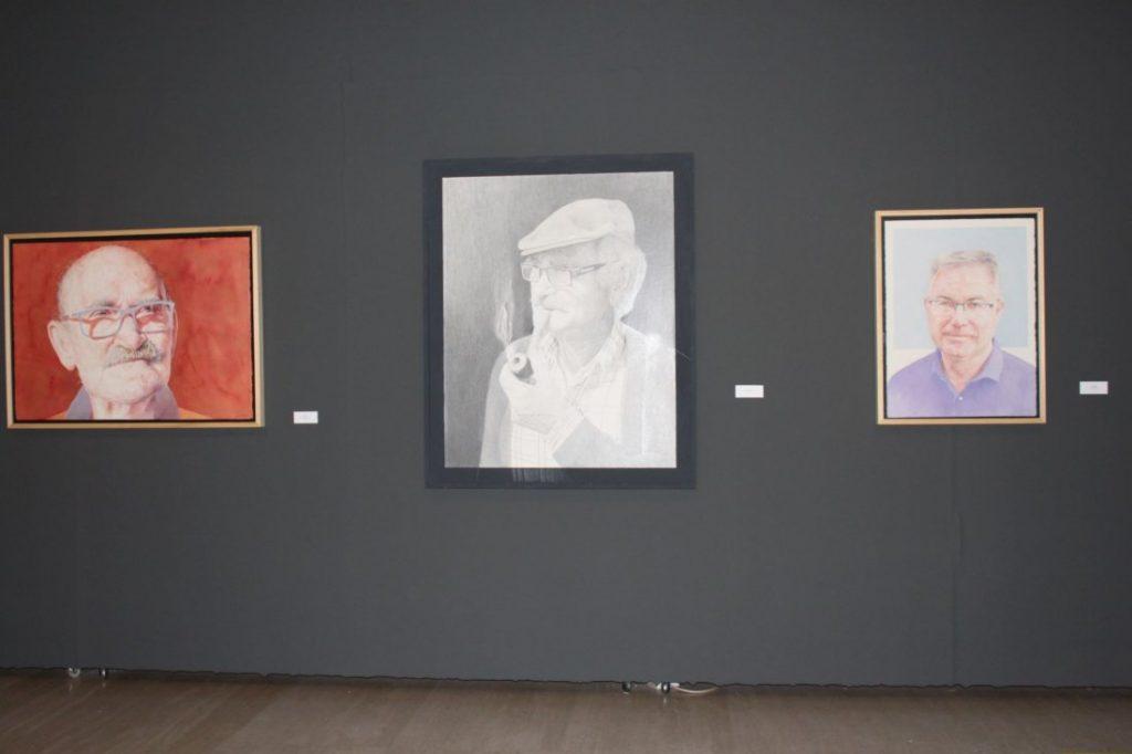 El pintor alicantino José Cerezo exhibe 'Retratos. Antológica' en el MUA en PINTURA