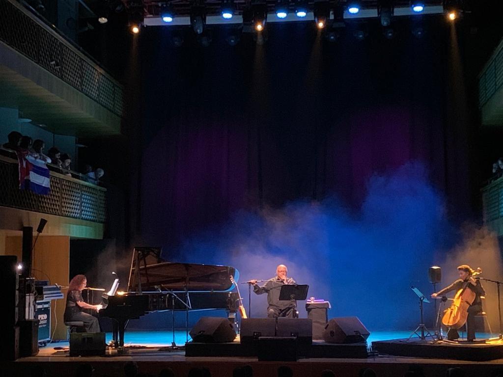 Pablo Milanés lleva al Auditorio de Torrevieja los mejores temas de su repertorio en MÚSICA