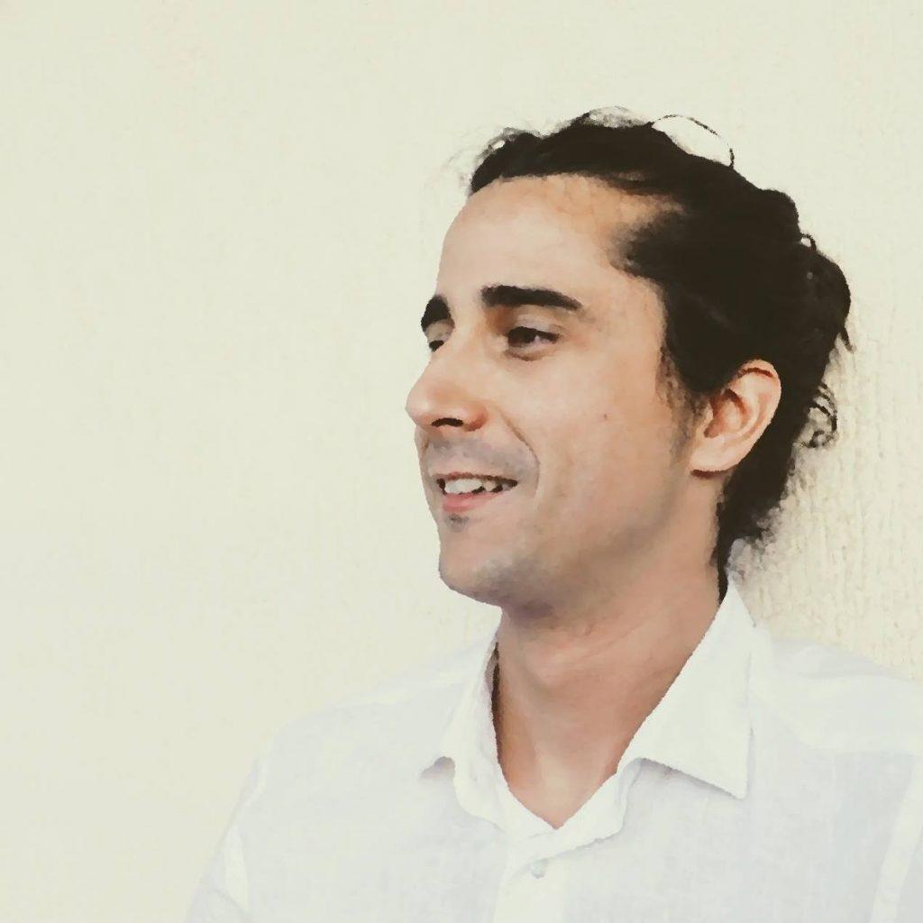 Pablo Yarza debuta como pintor con una exposición en el restaurante Raspón de Alicante en PINTURA