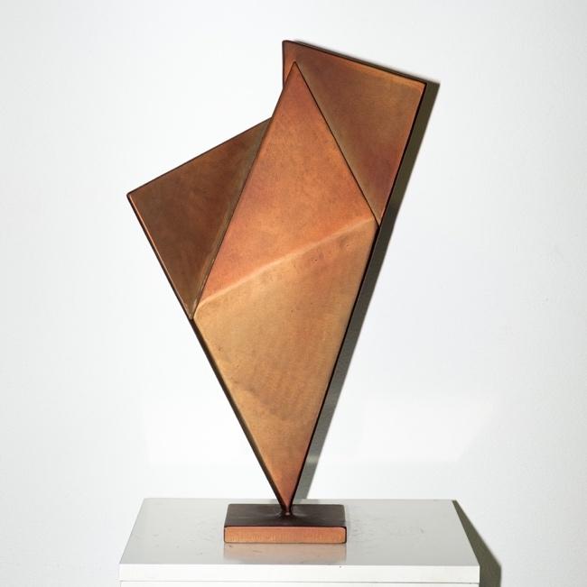Las esculturas de Joaquín Llorens visitan la Casa de la Cultura de Villena en ESCULTURA