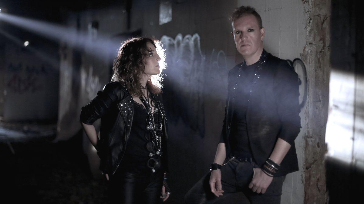 Estirga lanza su nuevo single, 'En el abismo' en MÚSICA