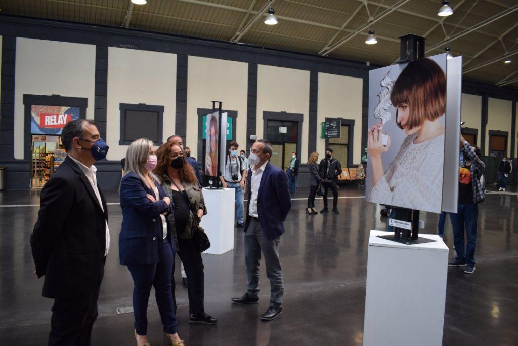 La estación de Adif acoge una exposición de fotografía del Festival de Cine de Alicante en FOTOGRAFIA