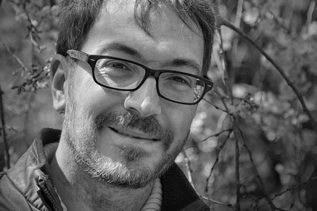 'El antropoide', la última novela de Fernando Parra Nogueras, indaga en la identidad y los deseos inconfesables en LETRAS