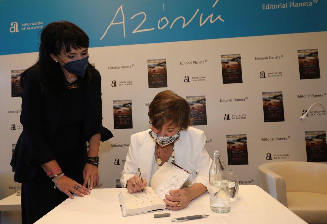 Nativel Preciado revela su pasión por África en su obra ganadora del Premio Azorín de Novela en DESTACADOS LETRAS