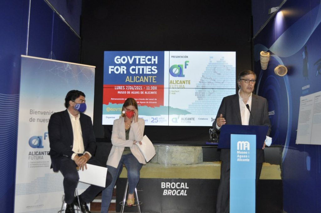 El Ayuntamiento y Aguas de Alicante presentan una iniciativa para aportar soluciones digitales a los retos de la ciudad en EMPRENDIMIENTO INTERNET