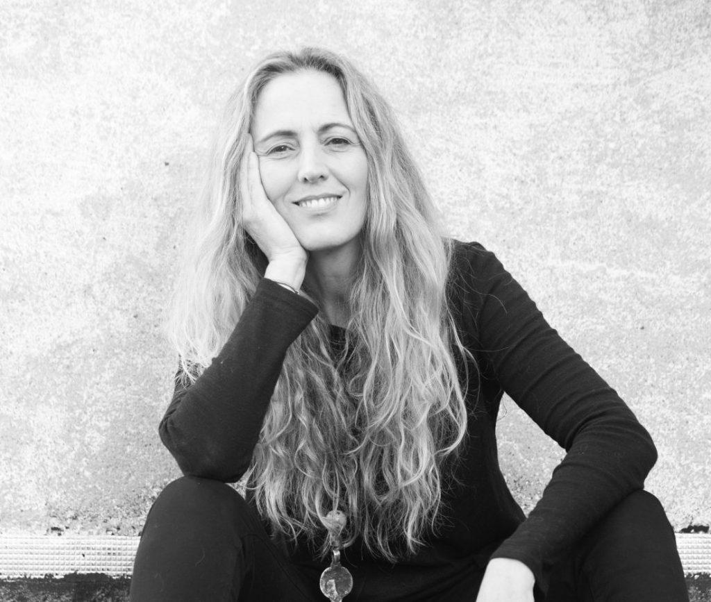Eva Losada presenta su última novela 'Moriré antes que las flores' en Pynchon&Co en LETRAS
